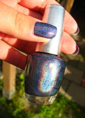 opi designer series glamour ds blue holographic polish hard to find nailswatches polish swatch