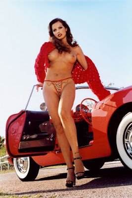 chicas explosivas y coches espectaculares