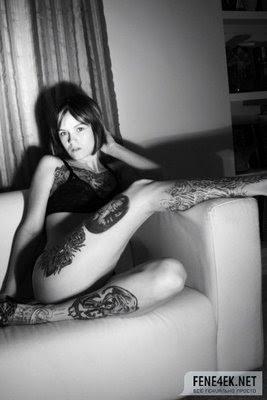chicas desnudas tatuadas, tatuajes por todo el cuerpo, tipos de tatuajes tribales