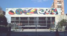 Joan Miró (87 años) - mural del Palacio de Congresos y Exposiciones en Madrid (1980)