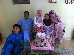 Family photo 2010 (Eid Mubarak)