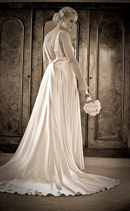 Annabel in her Art Deco Wedding Dress I 39m Annabel and my passion is writing