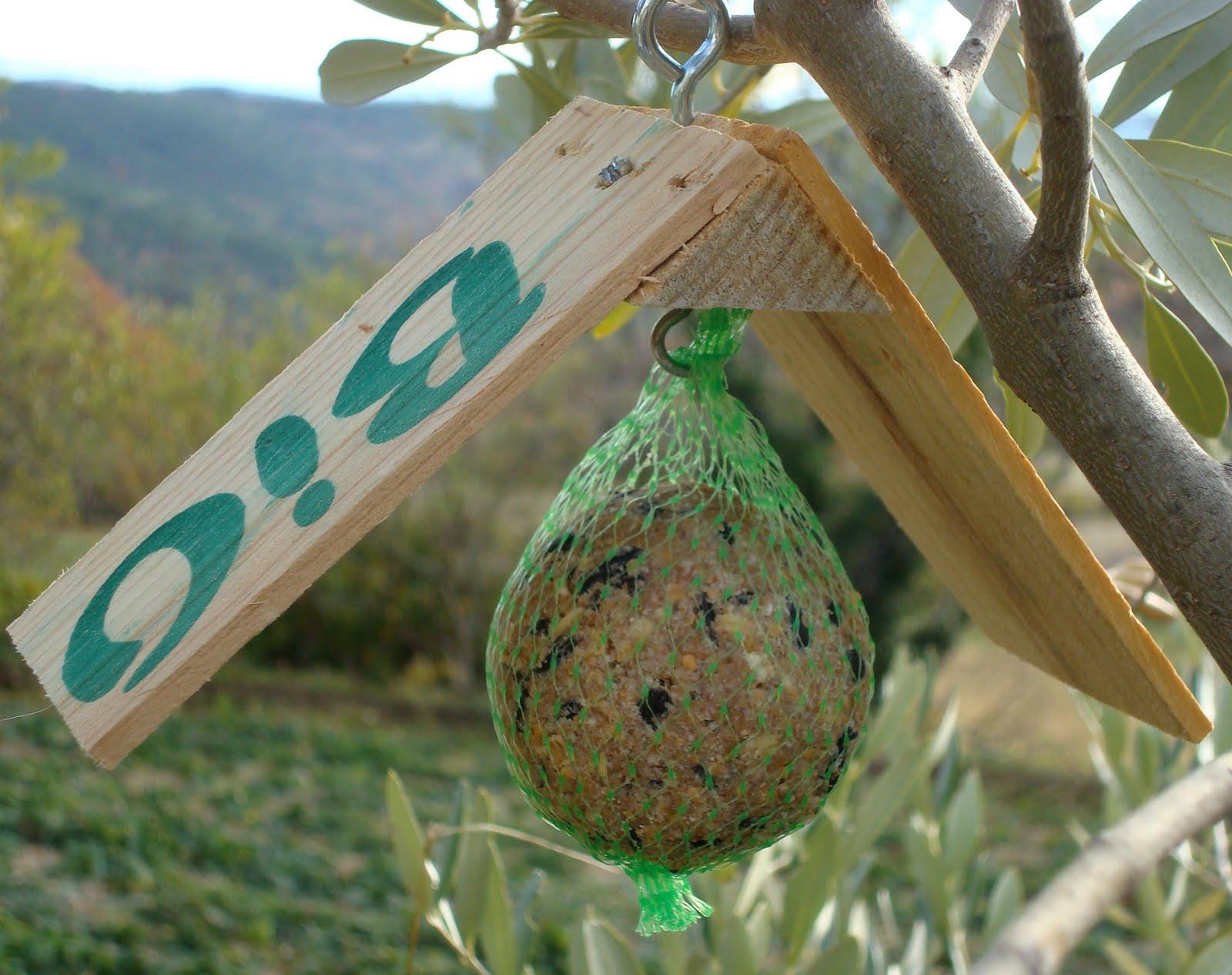 Mangeoire oiseaux - Fabriquer abreuvoir oiseaux ...
