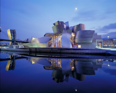 Frank Gehry - Guggenheim Museum in Bilbao, Spain fish whale