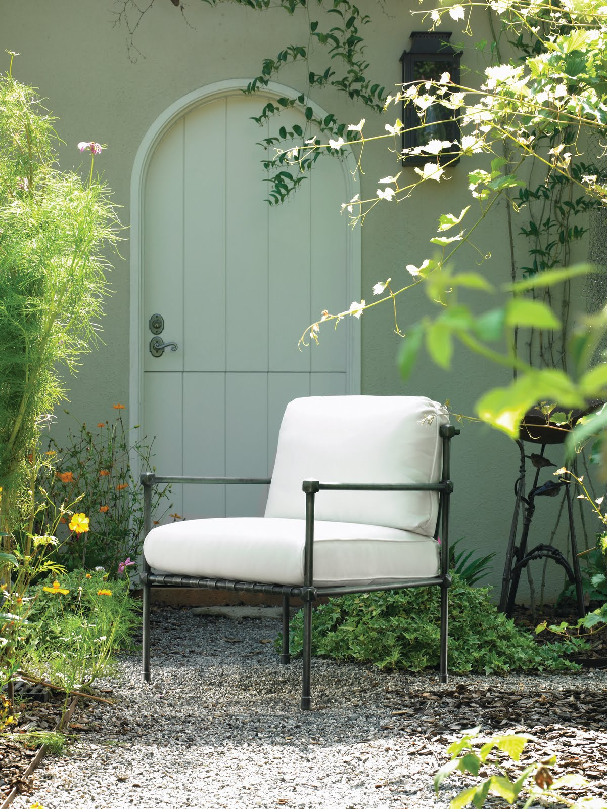 Eberly collard pr september 2010 for Bullnose chaise outdoor cushion