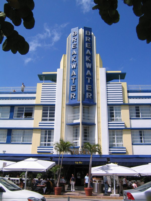 Art deco splash miami design preservation league and art for Designhotel jaz