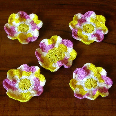 Christelle Crochet Shimmer Flower Pendant with motifs by gitte