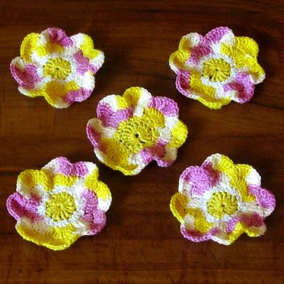 Christelle Crochet Shimmer Flower Pendant with motifs by gitte