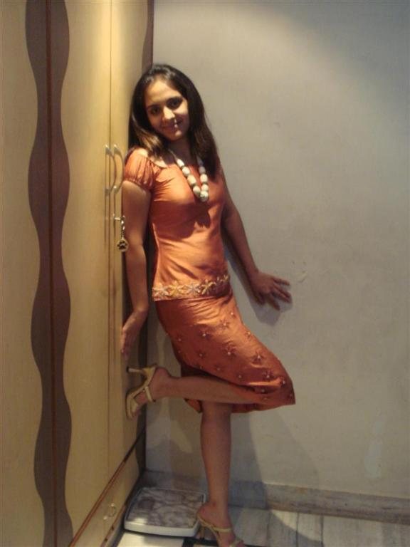Tina Aunty In Married Room