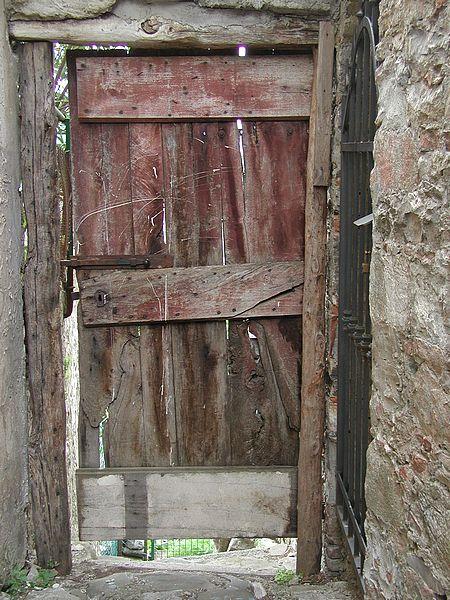 Cachivaches del bel n puertas antiguas for Imagenes de puertas viejas