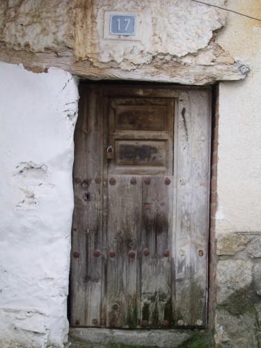 Cachivaches del bel n puertas antiguas for Puertas antiguas de derribo