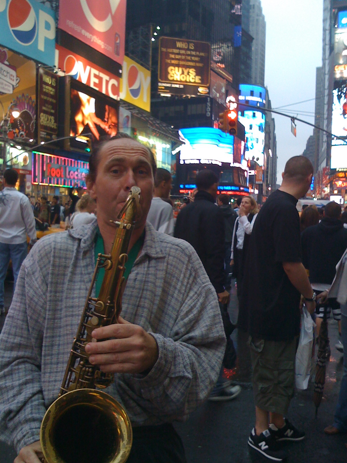 [Saxophone_TimeSquare.jpg]