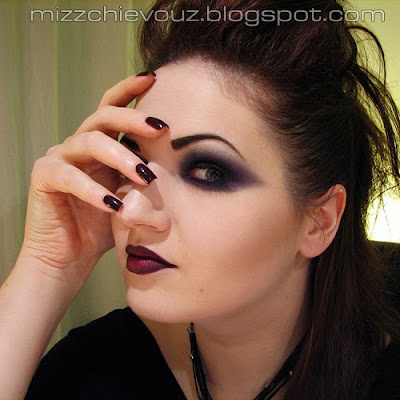 Fashion inspired Gothic Makeup