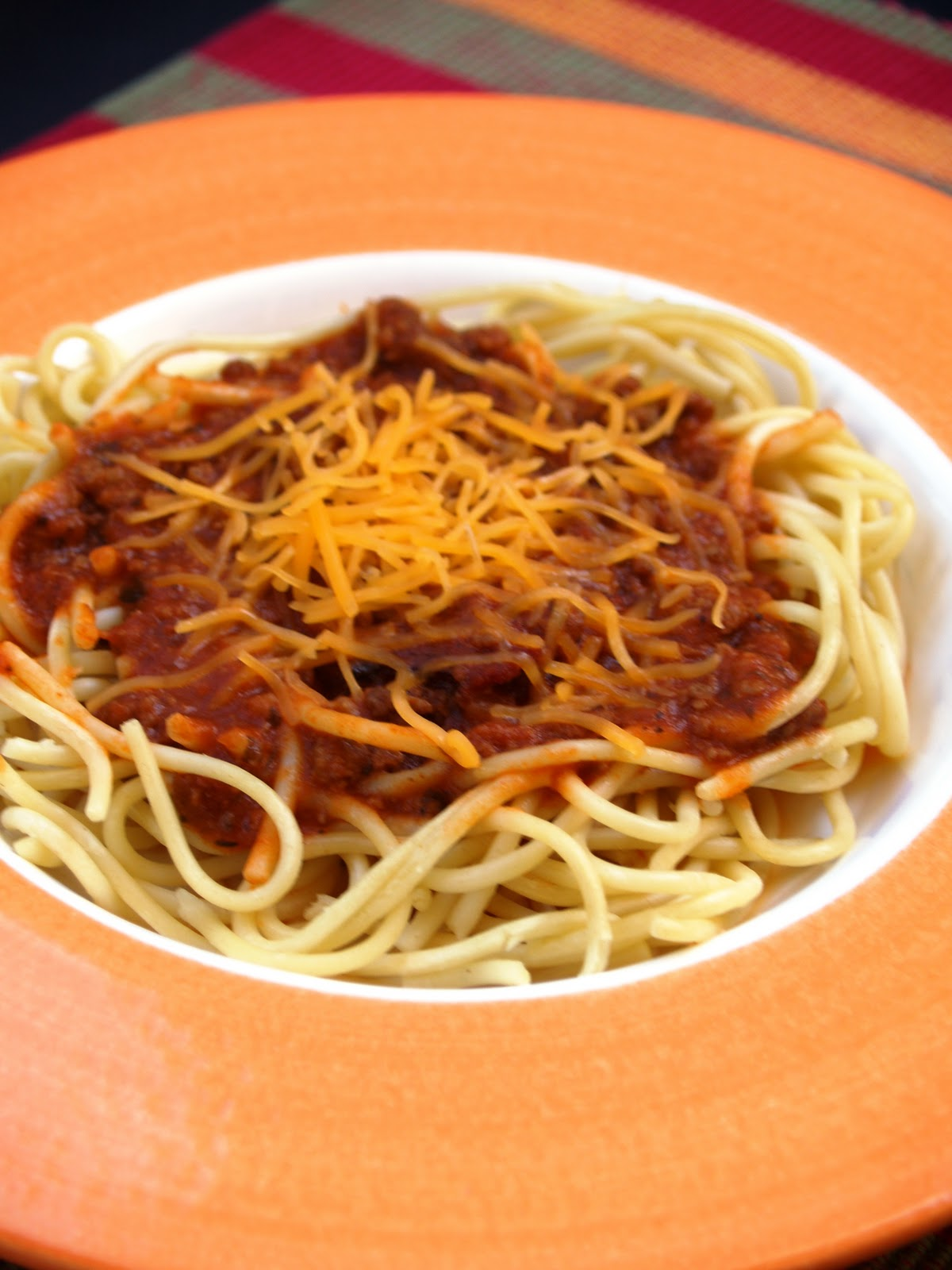 Pour It Over A Bowl Of Cooked Spaghetti Noodles Grate Some Cheddar Cheese On Top Voila That S Filipino Spaghetti For You It S Sweet And Tangy