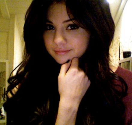selena gomez hair long straight. selena gomez hair long
