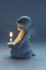 Tämä pieni enkeli suojelee omia rakkaita enkelipoikiamme siellä ihanassa taivaanvaltakunnassa.