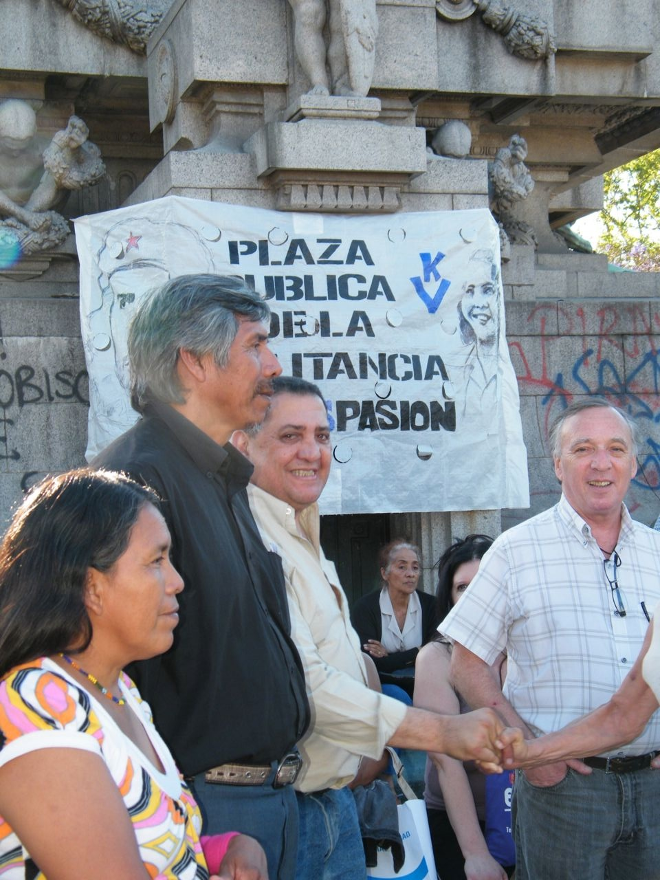 http://2.bp.blogspot.com/_rsh25GVRICc/TPvfiJL3aqI/AAAAAAAAA2Q/hVuN_20ezZ0/s1600/Plaza+Militancia3.jpg