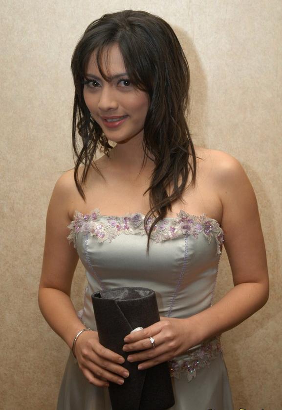 Cut Keke Star and Singer Indonesia Beauti