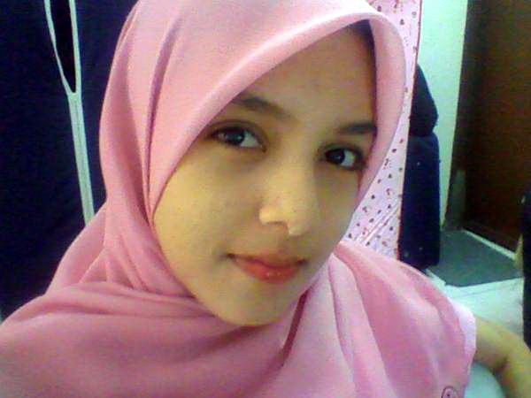 http://2.bp.blogspot.com/_rtfKUd4CwWA/SQ6GI7ZCvZI/AAAAAAAAAdU/TvBJ2Yz1GNw/s400/Gadis-Melayu-Bertudung4.jpg