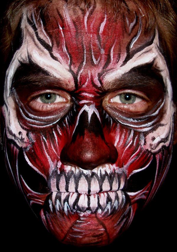 Scary Halloween Face Painting Pictures http://bodypaintingmax.blogspot.com/2010/10/halloween-face-painting-5.html