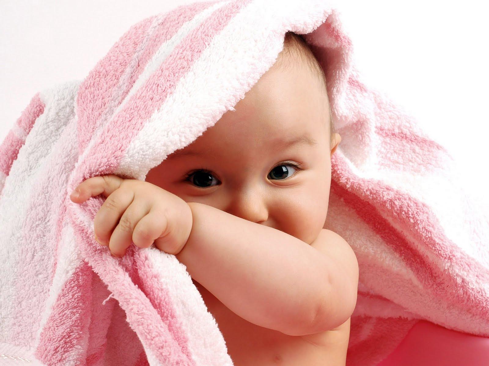 mak kata,orang mengandung, tengok muka comel comel kalau nak baby