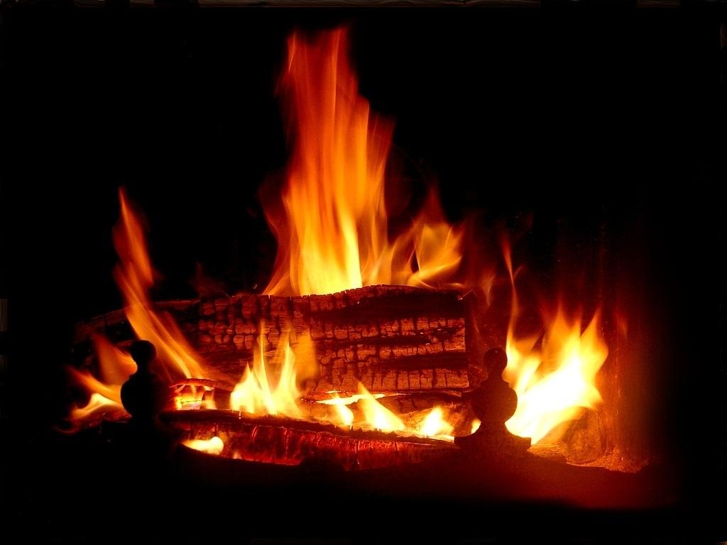 Trucs et astuces en 1 clic allume feu maison - Photo de cheminee ...