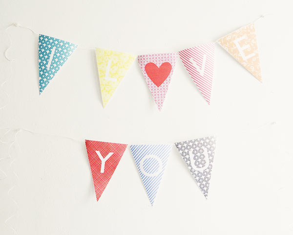 She 39s designed a free template of alphabet bunting that you can easily
