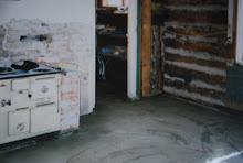 Före bild köket skafferiet, gjutetgolv med varmvattensslinga...