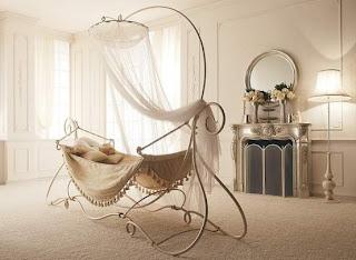 Famous and Beautiful Canopy Bed Design Ideas