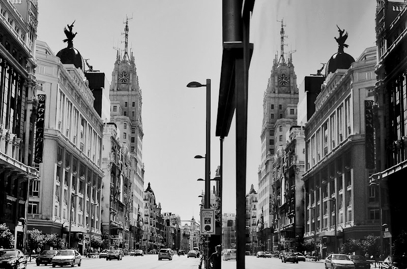 MADRID GRAN VIA BLANCO Y NEGRO