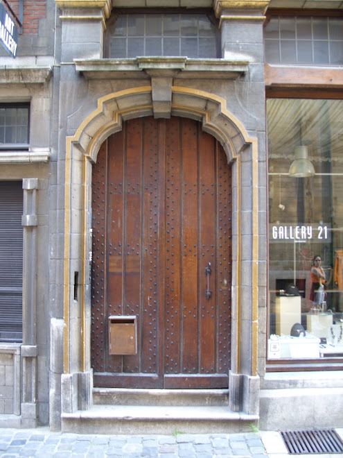 Porte cloutée rue Tête d'or
