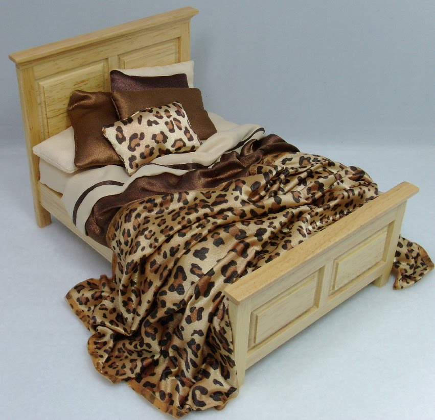 Miniature Dollhouse Beds