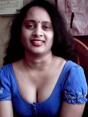 My first love blog mallu aunty blouse wearing images