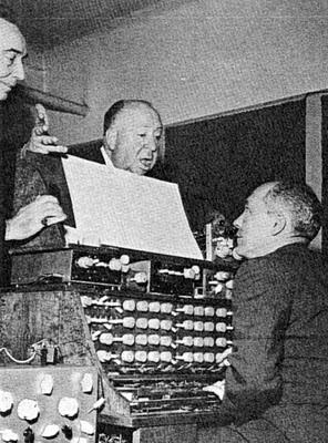 Visita de Alfred Hitchcock al estudio de Oskar Sala en diciembre de 1961