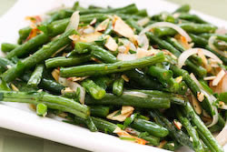 Garlic-Roasted Green Beans Recipe with Shallots and Almonds (Low-Carb ...