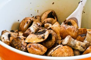 Recipe for Roasted Mushrooms with Garlic, Thyme, and Balsamic Vinegar ...