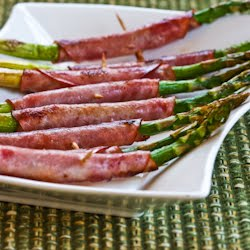 elegant holiday appetizer than this Roasted Asparagus Wrapped in Ham ...