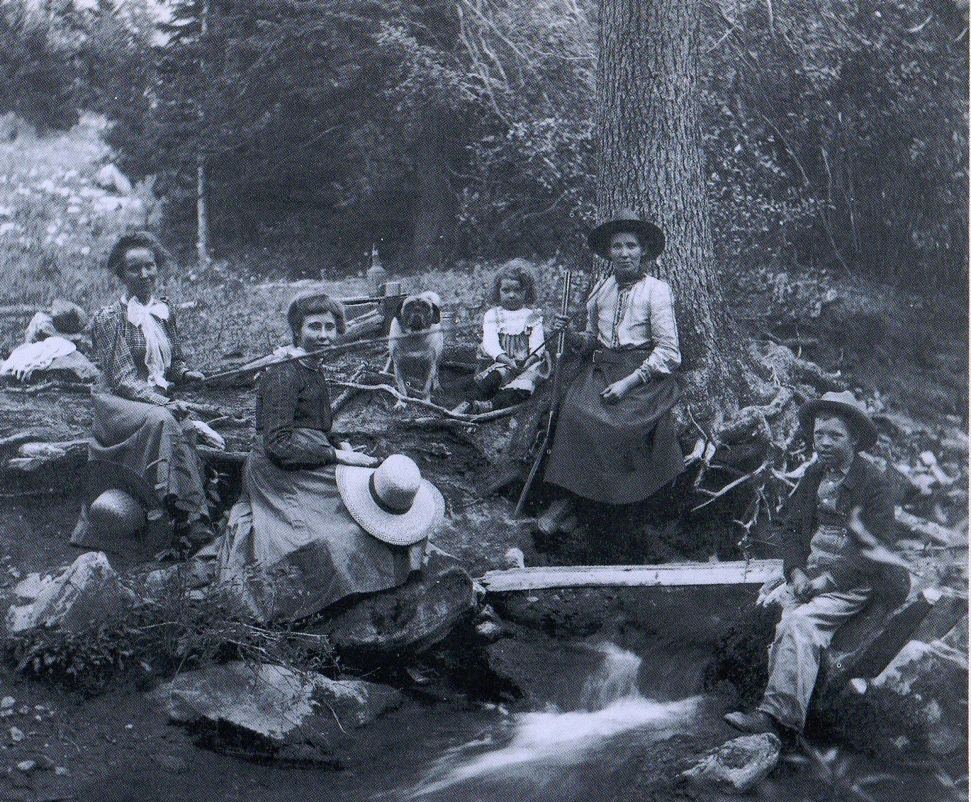 frontier single women Anglo-amerian settler women faced many challenges on the ohio frontier the first white women arrived in the ohio country around the frontier women provided.