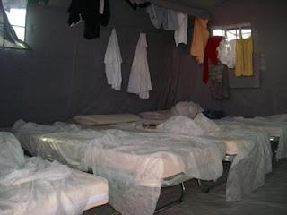 Interno di una tenda del Cpa di Foggia