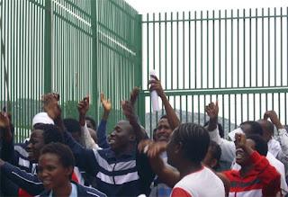 Migranti trattenuti nel Cara di Cassibile festeggiano la fine del Ramadan