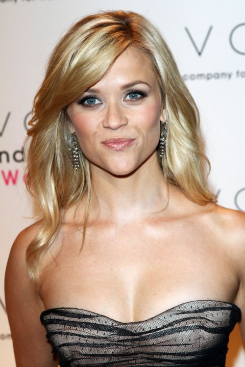 reese witherspoon hair 2010. Giving me great hair