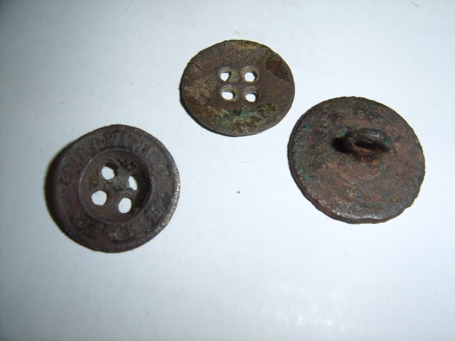 Metal Detecting With The Garrett Ace 250 Old Metal Button
