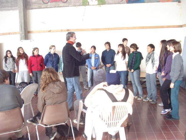 coro liceal en la apertura del seminario DESTINO JOVENES EN VALDENSE, 7 JUNIO 2010