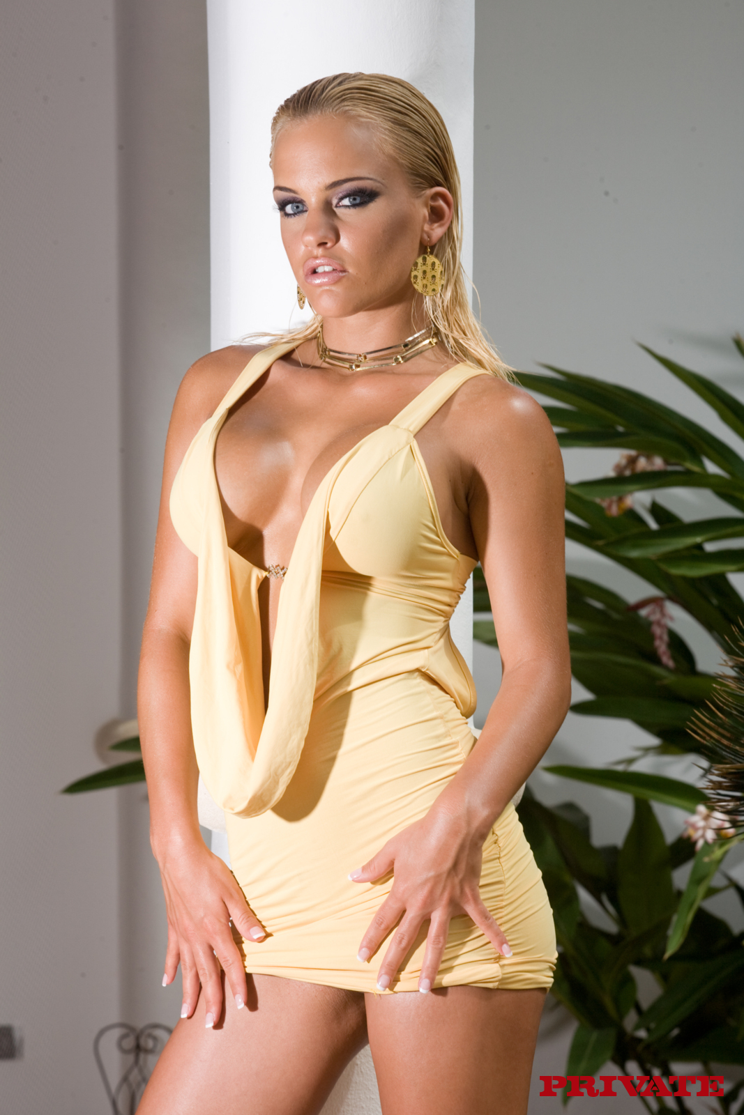 Britney Star Pictures and Movies at Freeones 22