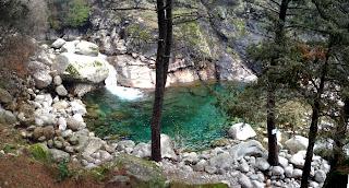 Joyanco rios en gredos for Piscinas naturales guisando