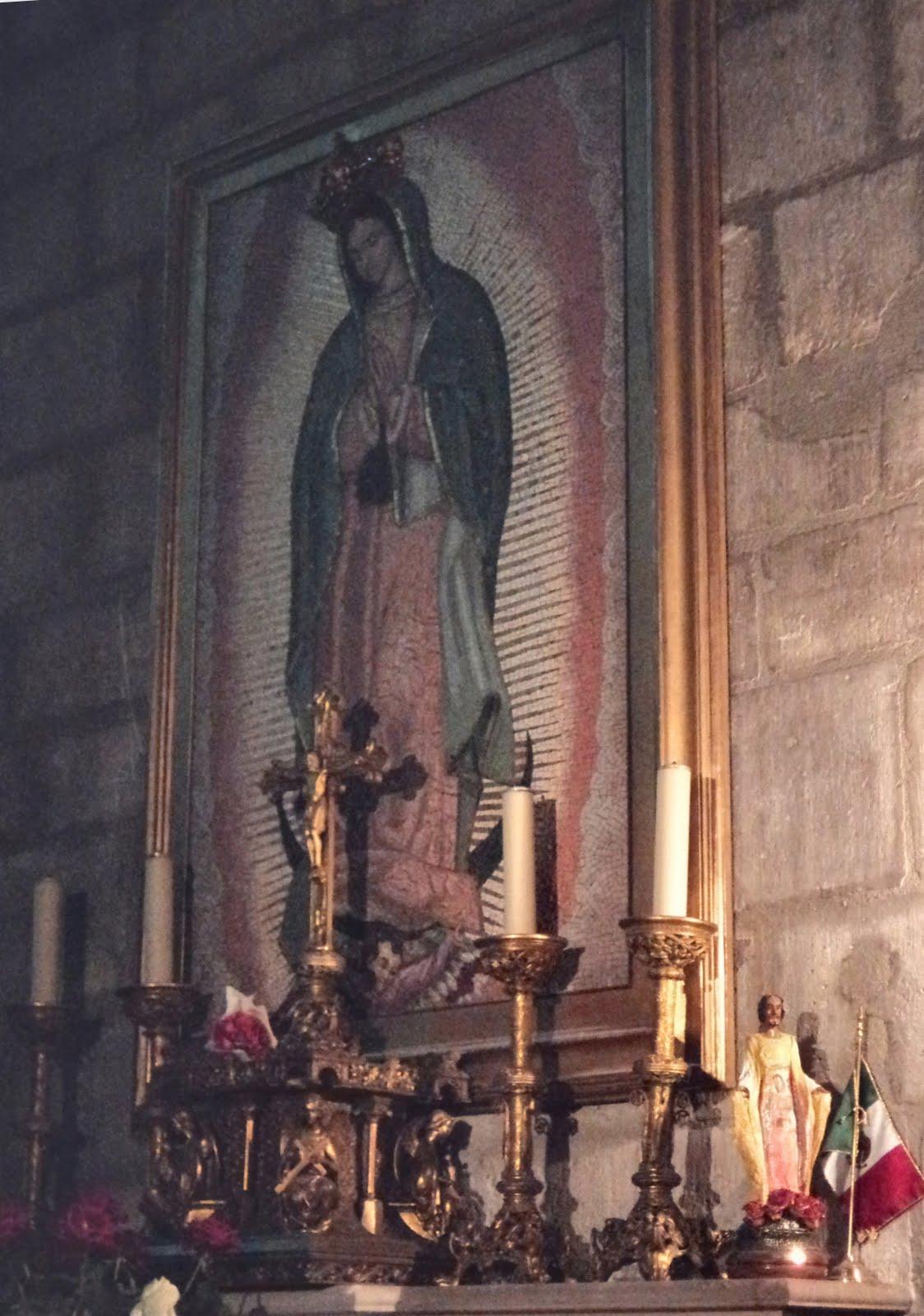 ... de La Vida: Capilla de la Virgen de Guadalupe en Notre Dame de París
