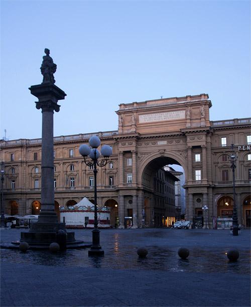 Флоренция, фото площади утром