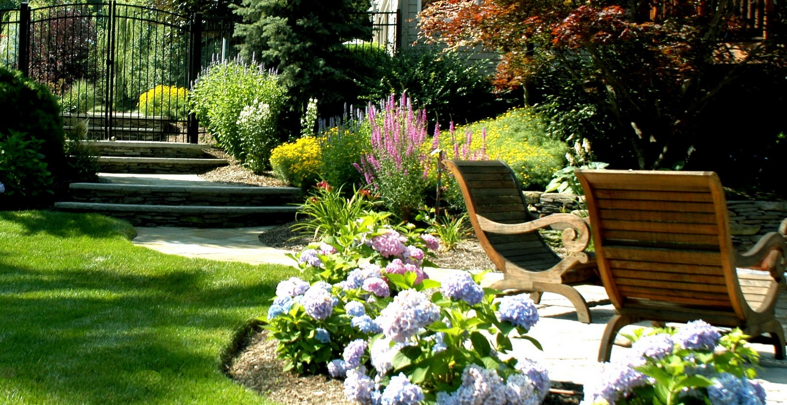 Hightechlandscapes new jersey landscape design for Home garden landscape design