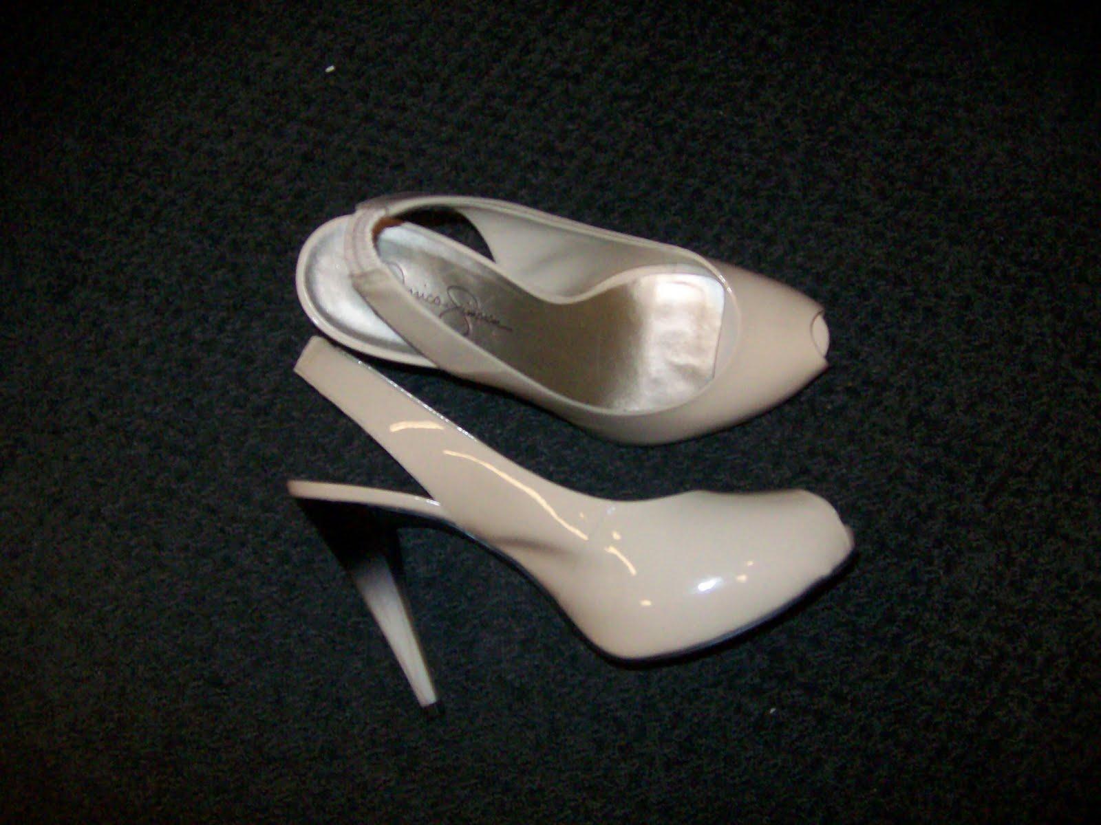 http://2.bp.blogspot.com/_sBm6TOYZh0o/S7tpOMYQA2I/AAAAAAAABnY/QTjE58pywBc/s1600/shoes.jpg