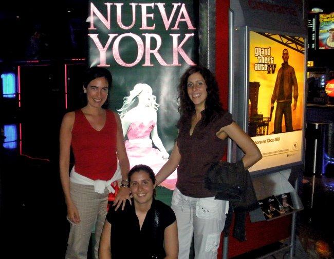 irma, patricia y yo _por supuesto, todas somos carrie_ en el pre-estreno de sexo en nueva york